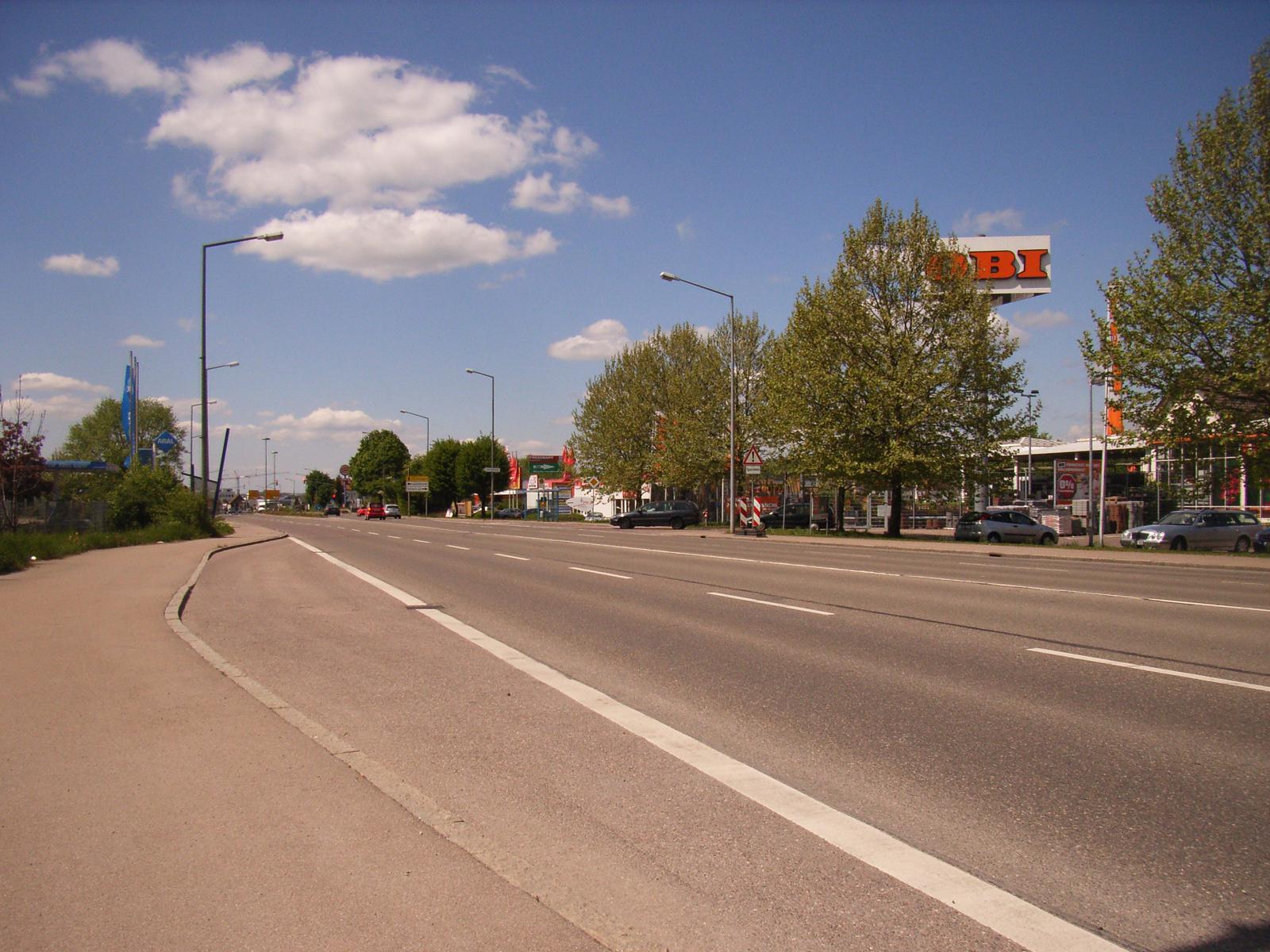Verkehrslächen an der Stuttgarter Straße vor der Begrünung