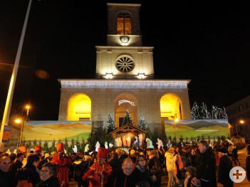 Beleuchtete Weihnachtskrippe in Oyonnax