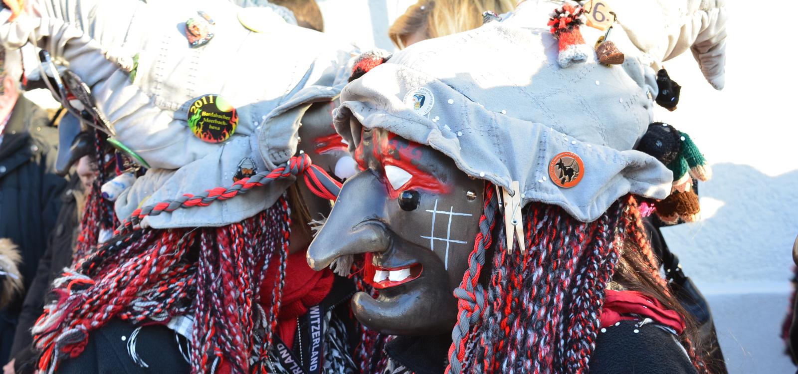 Brandstifter Hexa feiern am Gombigen Doschdig