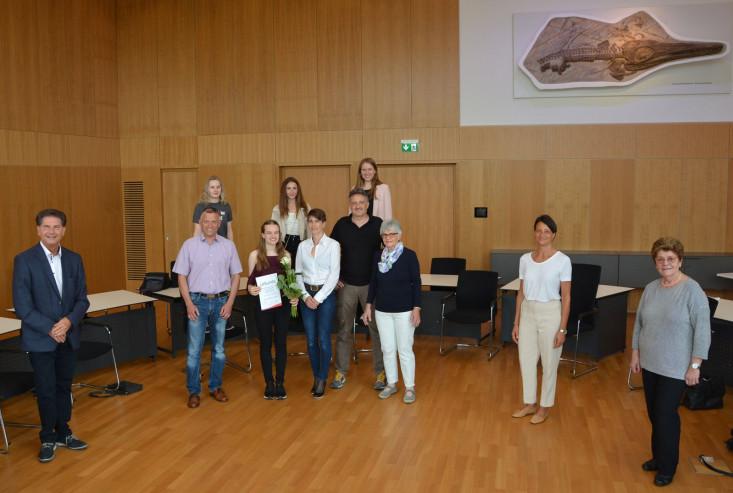 Alle Anwesenden bei der Verleihung des Französischpreises im Sitzungssaal des Eislinger Rathauses.